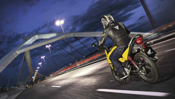 Honda CB125F road bike London night ride