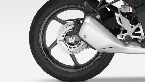 Honda CBR125R bike back wheel