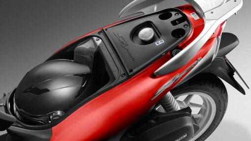 Honda SH125 Mode scooter back