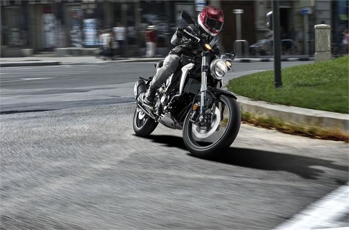 2018 Honda CB300R motorbike turning