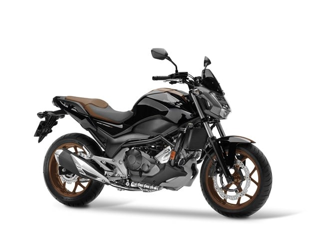 2018 Honda NC750S bike - Graphite Black Pearl Brown front 3/4