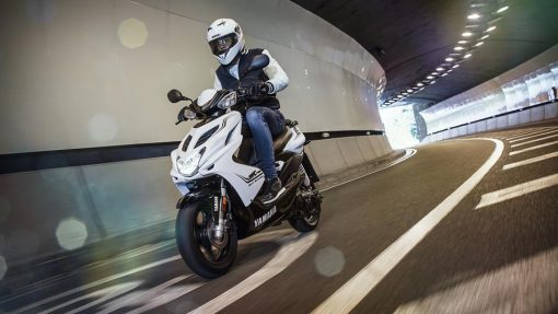 2016 Yamaha Aerox R scooter - Absolute White, London