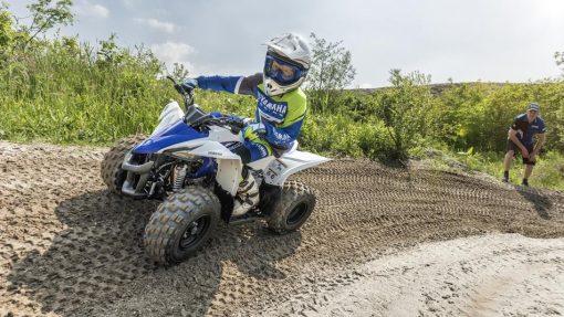 2017 Yamaha YFZ50 ATV Racing Blue - climbing up