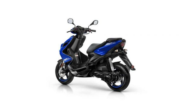 2018 Yamaha Aerox R 4 scooter - Yamaha Blue colour