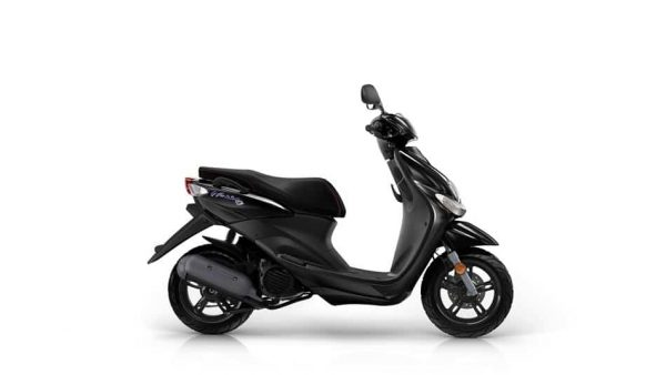 2018 Yamaha Neo's 4 scooter - Midnight Black colour