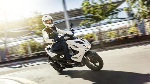Yamaha Aerox R scooter Absolute White - Chelsea