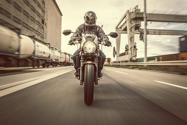 Suzuki SV650X street bike - action at Chelsea