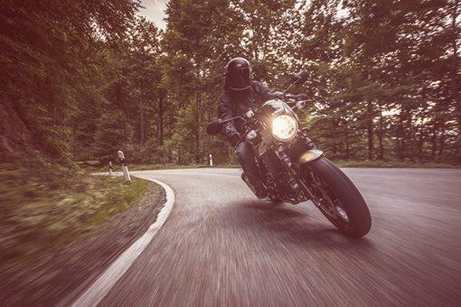 Suzuki SV650X street motorbike - turning on the way to London