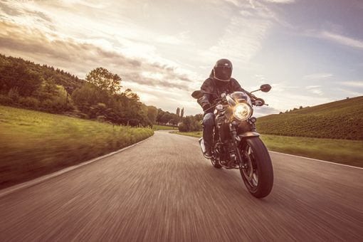 Suzuki SV650X street motorcycle - high-speed twilight ride