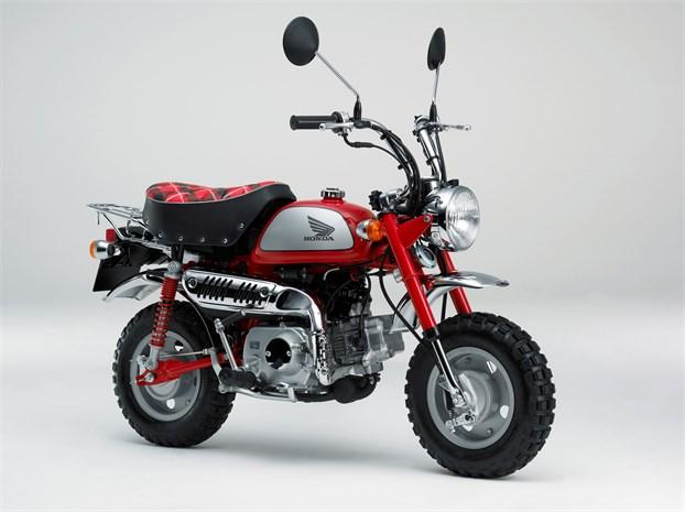 2009 Honda Monkey 125 - front 3/4