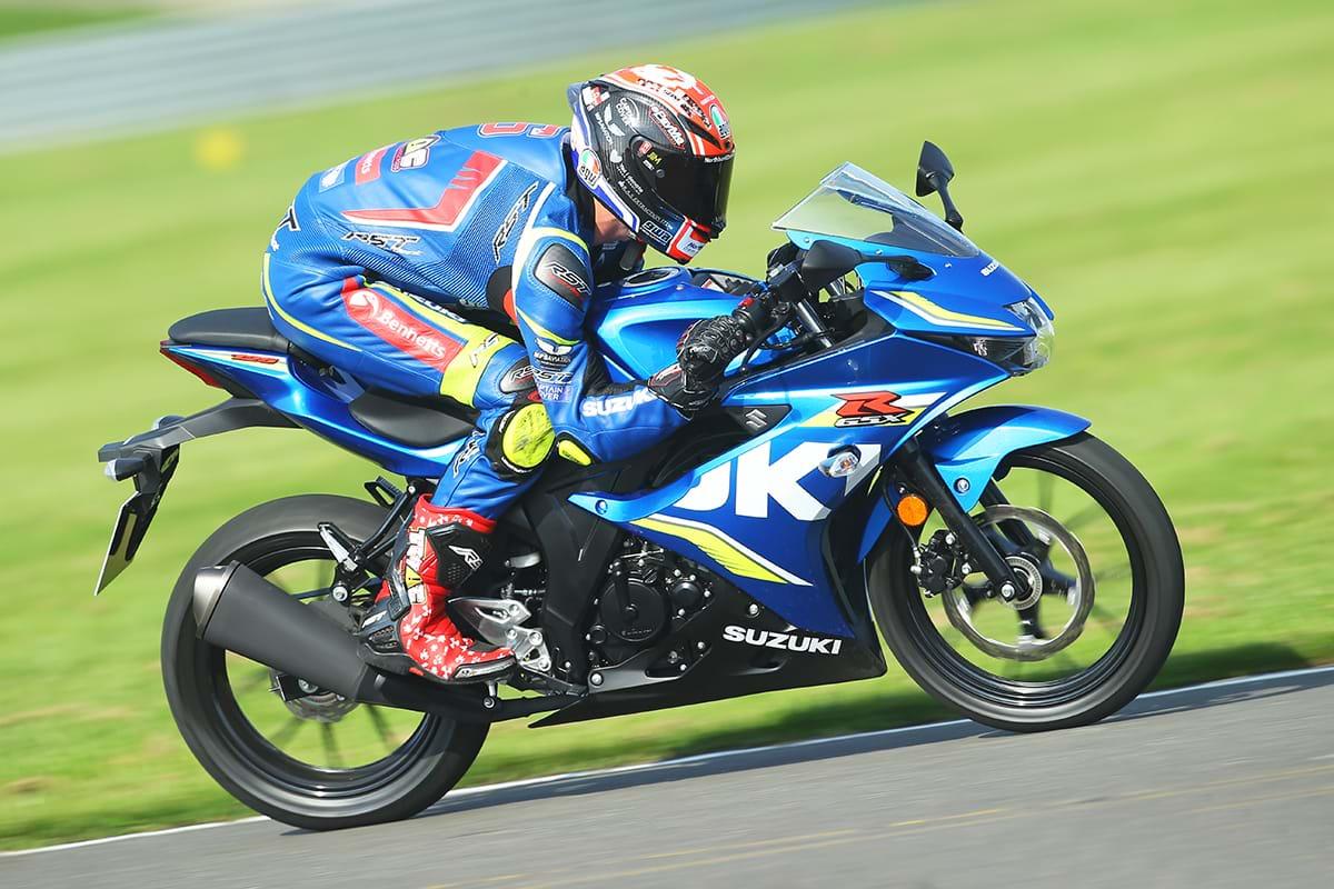 Suzuki GSX-R125 motorbike riding fast