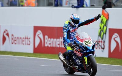 GSX-R1000 dominates opening race-day at Donington Park