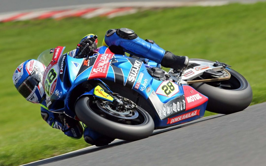 Buildbase Suzuki heads to Oulton Park as championship leaders