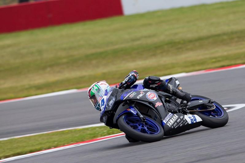 Hugo de Cancellis Turning on his Yamaha YZF-R3 motorbike